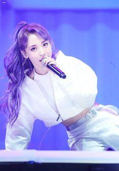 Kpop Girl Groups, Korean Girl Groups, Kpop Girls, Rapper, Mamamoo Moonbyul, Stars And Moon, K Idols, Pop Group, South Korean Girls