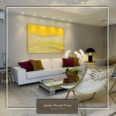 Décor do dia: almofadas poderosas. Inspire-se em uma sala de estar, na qual foi escolhido muito bem o acessório.