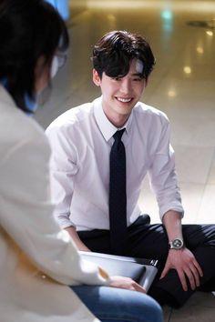 Lee jong suk ❤❤ while you were sleeping drama ^^ Lee Jong Suk Cute, Lee Jung Suk, Lee Joon, Asian Actors, Korean Actors, Lee Jong Suk Wallpaper, Kang Chul, Eunwoo Astro, Han Hyo Joo