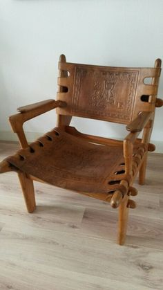 Happy with this beautiful Angel Pazmino chair. Hand made. Ecuador