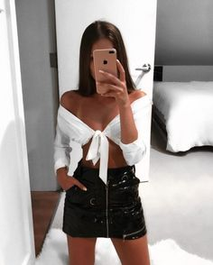 Casual going out outfits, simple outfits, night out outfit, night outfi Casual Party Outfit Night, Cute Party Outfits, Bar Outfits, Night Club Outfits, Night Out Outfit, Edgy Outfits, Simple Outfits, Dress Outfits, Fashion Outfits