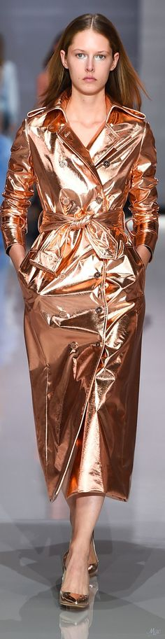 Spring 2018 RTW Ralph & Russo metallic rose gold leather trench coat runway fashion #Metallics-Gold,Silver,Bronzeetc