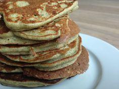 De is een recept voor zeer lekkere courgette boekweit pannenkoeken! Hoe vreemd de combi mag klink, hoe goed ze smaken! Het recept is makkelijk te maken.