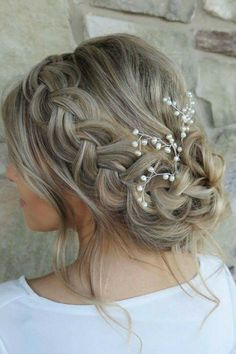 baby's breath + a silky pull through braid give this wedding-worthy updo a beautiful, textured look (perfect for the camera!)