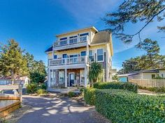 Bayfront, dog-friendly home with a private... - HomeAway Lincoln City