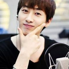 Super Junior Eunhyuk 2013 Picture and Profile | The Hottest Hunks Around The World