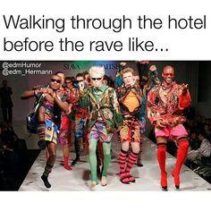 I love getting weird looks in public on my way to a show  Tag @edmworldmag in your crew photos tonight!    #marshmello #kygo #musictherapy #trancemusic #yellowclaw #housemusic #hardwell #edmboys #electronicdancemusic #plurnt #edmfriends #ef2017 #electricdaisycarnival #edmlovers #musicblog #cuttingshapes #musicmatters #ilovesickdrops #dondiablo #zedsdead #jauzofficial #borgeous #edmaddict #electricforest #halloween #halloweencostume #dropthebeatz #axwellingrosso #ericprydz #ravebabe