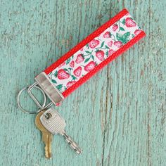 Make this mini vintage ribbon keychain to keep all of your keys in one place