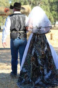 A couple pics from my country camo wedding Country Girl Style, Country Girls, Fashion Boots, Girl Fashion, Country Engagement, Camo Wedding, Couple Pictures, Happily Ever After, Life Is Beautiful