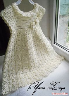 More Great Looks Like This - Crochet Baptism Dress pattern.Delicacies in crochet Gabriela: Girl DressBaptismal set of Glamour (lots of pics) - It's in Russian, I think, but there are charts!Try to decipher chartFree pattern of sorts. 3 photos make u Baby Girl Crochet, Crochet Baby Clothes, Crochet For Kids, Crochet Dress Girl, Crochet Toddler Dress, Girls White Dress, Baby Dress Patterns, Crochet Patterns, Knitting Patterns