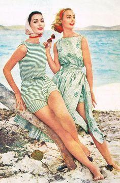 Stripes and Floral - Fabulous Photos of Beachwear - Photos Source by livinglycom Vintage Swim, Vintage Girls, Vintage Dresses, Vintage Outfits, Vintage Costumes, Vintage Clothing, Fifties Fashion, Retro Fashion, Vintage Fashion