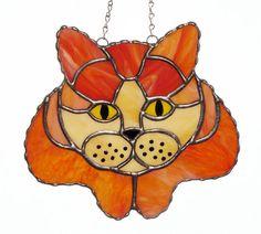 Beau chat tigré Orange ! Verre clair entrelardées opale rouillé orange et crème sont utilisés dans ce mignon chaton. Le noir dans les yeux et les