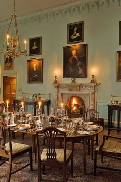 What a beautiful dining room Ireland Country House ∙ Todhunter Earle Interior Design Georgian Interiors, Georgian Homes, Interior Exterior, Home Interior Design, Luxury Interior, English Country Decor, French Country, Ireland Homes, Beautiful Dining Rooms