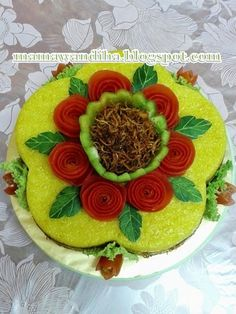 Soft Eye Makeup, Yellow Rice, Food Carving, Logo Food, Food Art, Food And Drink, Pastel, Sweets, Lunch