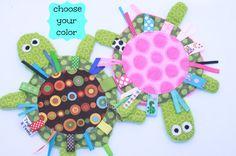 Yertle la tortue - brun-bleu ou rose - jouet craquant Crackle sensoriel