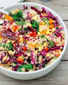 """#Quinoa, #peperoni, #cavolo rosso, #mais, #broccoli e #carote, condita con olio evo, sale e zenzero fresco. Una meraviglia di colori e di sapori in questo piatto che possiamo battezzare """"insalata arcobaleno""""! #summer #healthy #benessere"""