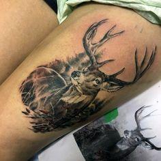 Guys Deer Head Tattoo Designs On Upper Thigh - Tattoo Images Buck Tattoo, Deer Head Tattoo, Hunter Tattoo, Tattoo Guys, Deer Hunting Tattoos, Antler Tattoos, Design Tattoo, Tattoo Designs, Geometric Tattoo Female
