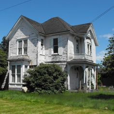Grand Victorian | Save This Old House: Quaint Queen Anne on the Oregon Coast | This Old House