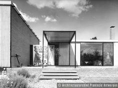 1956 Lode Wouters. Atelierwoning Staes, Middenheide in Beveren.