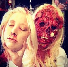 It's makeup BUT STILL. | 23 Creepy Pictures That Will Make You Scream Every Time