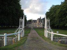 Château de Lion-sur-Mer►►http://www.frenchchateau.net/chateaux-of-basse-normandie/chateau-de-lion-sur-mer.html?i=p