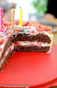 Gâteau d'anniversaire à étage, choco fraise - Recette - Marciatack