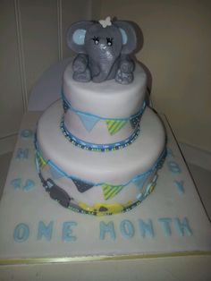 Zoes baby shower cake
