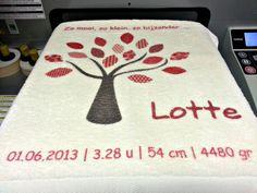 Geboortekaartje op handdoek