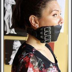 Pannello in pelle base gag / Muzzle gag Black White Pink, Pink Purple, Grey, Girl Tied Up, Cool Things To Buy, Black Leather, Vintage, Kinky, Christ