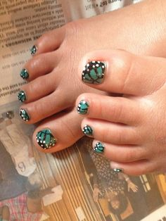 Turquoise Erfly Toe Nails