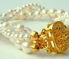 Pearl bracelet - vintage inspired jewelry