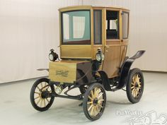1905 Woods Electric w/ wooden body ... now, that's an electric car that I could get excited about!