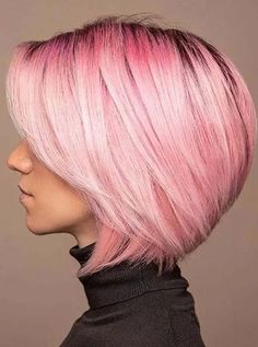 Just visit here and find awesome ideas of bob haircuts decorated with pink hair colors. Ladies and you girls may sport this fantastic bob cut just to make them look extra charming. You may also find so many other bob hair cuts else this for bold and fresh look. Bob Hair Color, Hair Color Pink, Hair Color Shades, Hair Color Balayage, Pink Hair, Bob Haircuts For Women, Girl Haircuts, Blonde Bob Hairstyles, Hairstyles Haircuts