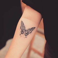 80 ideas de tatuajes de mariposas y su significado - Archzine.es