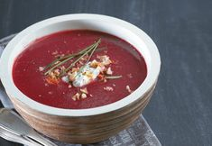 16 βελούδινες σούπες για τα κρύα και όχι μόνο - www.olivemagazine.gr Restaurant Menu Design, Chili, Salsa, Food And Drink, Mexican, Diet, Cooking, Ethnic Recipes, Desserts