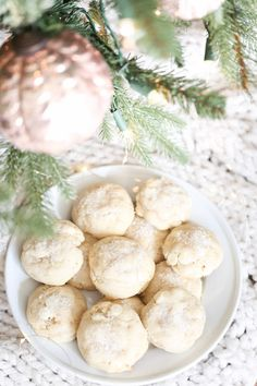The ultimate Christmas cookie recipe! White Chocolate Cookies are a magical combination of sugar crystals, sugar cookies and white chocolate chips. White Christmas Cookie Recipe, Chocolate Christmas Cookies, White Chocolate Chip Cookies, Holiday Cookie Recipes, Christmas Baking, Christmas Cakes, Christmas Sweets, Christmas Recipes, White Christmas Desserts