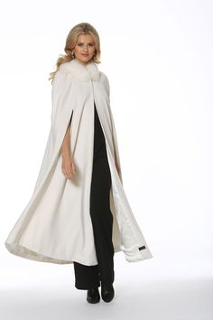 A winter white hooded opera cape in gorgeous, flowing winter white cashmere is the modern version of the cloak that every well dressed woman wore to fend off the chill of fall and winter. The winter white fox trim frames the face for unequaled glamour Classy Outfits, Stylish Outfits, Fashion Outfits, Beautiful Outfits, Girl Outfits, Unique Outfits, Fashion Clothes, Fashion Trends, Cashmere Cape
