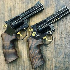 Airsoft hub is a social network that connects people with a passion for airsoft. Talk about the latest airsoft guns, tactical gear or simply share with others on this network 357 Magnum, Weapons Guns, Guns And Ammo, Airsoft, Revolver Pistol, Shooting Guns, Fire Powers, Cool Guns, Zombies