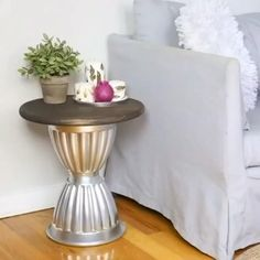 Diy Barbie Furniture, Diy Furniture, Diy Home Decor Bedroom, Living Room On A Budget, Diy Garden Decor, Diy On A Budget, Dollar Stores, Decor Ideas, Decorating Ideas
