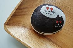 """"""" black&white cats"""" ~ pebbles from Portugal, hand painted by Sabine Ostermann"""