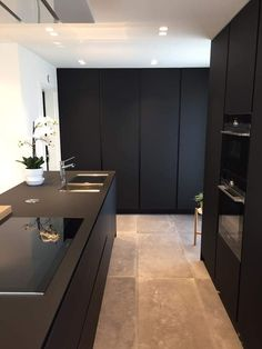 50 elegant black kitchen design ideas you need to try 48 Küchen Design, House Design, Design Ideas, Interior Design, Little Kitchen, New Kitchen, Kitchen Interior, Kitchen Decor, Kitchen Ideas