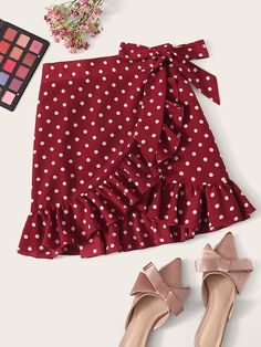 To find out about the Ruffle Trim Knot Side Wrap Polka Dot Skirt at SHEIN, part of our latest Skirts ready to shop online today! Casual Outfits, Cute Outfits, Fashion Outfits, Diy Clothes, Clothes For Women, Burgundy Skirt, Types Of Skirts, Frock Design, Plus Size Skirts