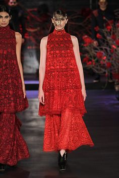 Manish Malhotra. AICW 15'. Indian Couture.