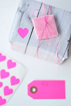 neon pink & wood grain paper