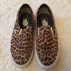 Vans classic slip ons- cheetah / leopard print - 8 Size 8, used in great condition, will be cleaned prior to shipping! Vans Shoes Sneakers