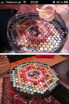 Table with bottle cap design  Kronkorken sammeln, auf den Tisch legen,mit…