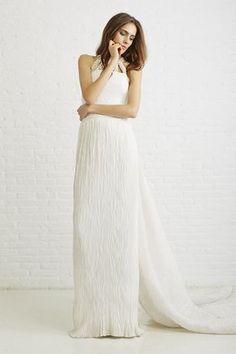 Vestido de novia de Basaldúa. #vestidodenovia #weddingdress #novia #bride #tendenciasdebodas