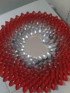 Plastic spoon mirror apartment ideas pinterest for Plastic spoon flower mirror
