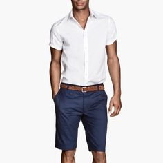 Blue men's chino short Gently used above the knee men's shorts. Classic straight-cut cotton shorts with a button fly. Side pockets and back pockets with flap and fastener. 97% cotton. Color: Dark blue size 33R Eur 48 sold on Ⓜ️ercari for less H&M Shorts