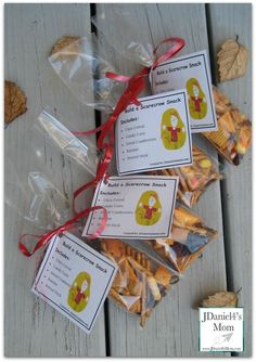 Scarecrow Snack Idea- Kids will love constructing a scarecrow with these snack materials. They will also love munching on them. This post includes a free printable tag.